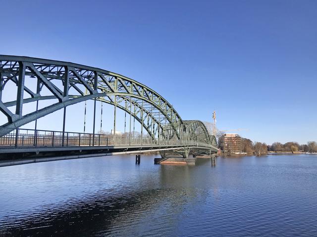 Große Eiswerderbrücke , Foto: Rita Frank, Lizenz: terra press GmbH