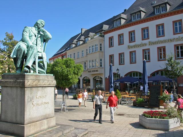 Robert Schumann Denkmal am Hauptmarkt, Foto: Kultour Z